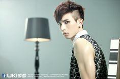 Mini [Stop Girl] oh ma gosh it kiseop Sung Hyun, Woo Sung, Asian Men, Asian Guys, Cn Blue, U Kiss, Block B, Pop Singers, Btob