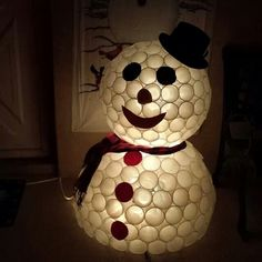 DIY Snowman made from plastic cups for the holidays #snowman #diy #holidays