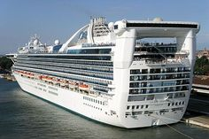 F and C Travel - Golden Princess Anchorage Cruise Cruise Port, Cruise Ships, Golden Princess, Floating Hotel, Cruise Offers, Princess Cruises, Alaska Cruise, Super Yachts, Cruise Weddings