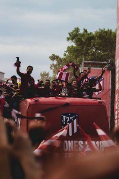 Soccer Post, Football Soccer, At Madrid, Antoine Griezmann, Naruto And Sasuke, Monster Trucks, Kicks, Instagram, Sports