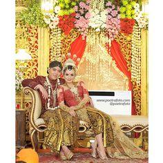 #Javanese #Wedding #Portrait #Photo for Dita+Restu Wedding at #Yogyakarta #Indonesia by Poetrafoto Photography, http://poetrafoto.com/wedding-photographer-indonesia_3.htm