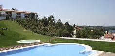 Descubra o Hotel Segredos de Vale Manso com vista para a Albufeira de Castelo do Bode e rodeado de paisagens naturais   Escapadelas   #Hotel #Portugal #CasteloDeBode #Paisagem