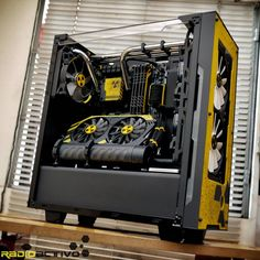 Pc Modders is Extreme Computer Modding Water Cooling and Design Custom Gaming Pc mods - Best Awesome Pc Mod Pictures Cool Tech products, Tech gadgets, Best tech Gaming Pc Build, Pc Gaming Setup, Gaming Pcs, Computer Build, Computer Setup, Pc Setup, Computer Case, Computer Technology, Gaming Computer
