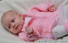 Lovely design, free baby knitting pattern, easy to knit Knitting For Kids, Knitting Yarn, Free Knitting, Baby Cardigan Knitting Pattern Free, Baby Knitting Patterns, Sweater Patterns, Knit Baby Sweaters, Knitted Baby Clothes, Baby Girl Patterns