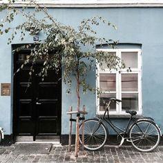 Αποτέλεσμα εικόνας για light blue external walls
