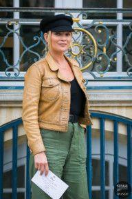 STYLE DU MONDE / Paris Fashion Week Fall 2017 Street Style: Kate Moss  #Fashion, #FashionBlog, #FashionBlogger, #Ootd, #OutfitOfTheDay, #StreetStyle, #Style