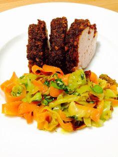 Découvrez la recette Filet mignon de porc vanillé au croustillant de pain d'épices, et tagliatelles de légumes à la coriandre sur cuisineactuelle.fr.