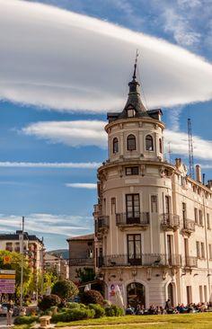 Un universo paralelo. Esfera: Around. Jaca. Spain