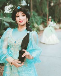 Disney Girls, Disney Love, Disney Magic, Princess Jasmine Cosplay, Princess Face, Surprises For Her, Disney Wedding Dresses, Aladdin And Jasmine, Character Makeup