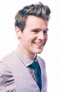 Jonathan Groff WHY CAN'T HE BE STRAIGHT?