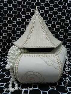 Amazing DIY Decorative Boxes Ideas You Will Love For Sure Fabric Boxes, Paper Boxes, Card Basket, Greeting Card Box, Crochet Box, Christmas Card Crafts, Quick Crafts, Box Patterns, Cardboard Crafts