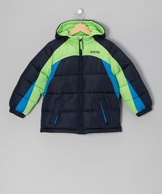 Whether hitting the slopes or building a snowman, this bright piece will add a fresh pop of color to the vast blankets of white fluff. Featuring warm fleece lining, a chin guard to prevent pinching, double-flap side pockets and an inner chest pocket, this smart piece is a cold-weather must-have.100% polyesterMachine wash