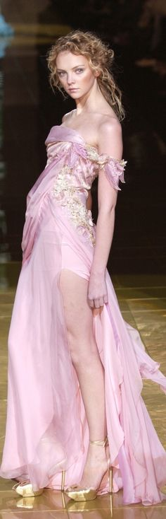 Elie Saab Hc; love her pose and the expression on her face!