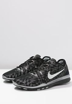 Chaussures de sport Nike Performance FREE 5.0 TR FIT 5 - Chaussures d'entraînement et de fitness - black/metallic silver/flat silver noir: 91,00 € chez Zalando (au 25/06/16). Livraison et retours gratuits et service client gratuit au 0800 740 357.