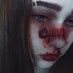 This poor girl! I hope this is only makeup. Gore Aesthetic, Aesthetic Photo, Aesthetic Girl, Estilo Grunge, Halloween Disfraces, Sad Girl, Tumblr Girls, Dark Art, Character Inspiration