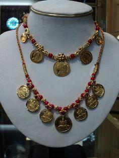 Galsari Coin Jewelry, Beaded Jewelry, Jewelery, Indian Wedding Jewelry, Bridal Jewelry, Gold Necklace Simple, India Jewelry, Antique Jewelry, Jewelry Design