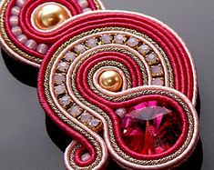Fuchsia pink gold soutache earrings with Swarovski pearl and crystal.