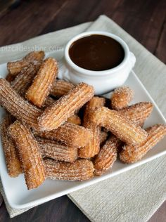 Pizca de Sabor :: Recetas de Cocina-- #boom! Now I know how to make Churros and chocolate sauce!