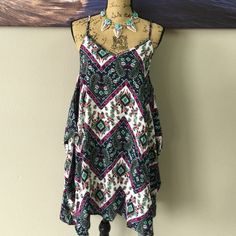 ROMEO & JULIET COUTURE Dress Perfect for summer at the beach or family picnics! Feed your inner boho chic with this dress Romeo & Juliet Couture Dresses