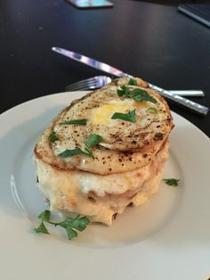 Croque Madame. Extra bechamel extra cheese please. [OC] [2448x3264] - see http://www.classybro.com/ for more!