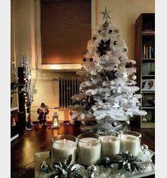 Děkujeme naši spokojené zákaznici za úžasnou fotku našeho stromečku 😍  Chceš ho mít? 🌲😍  #vanoce #ceskarepublika #vanocnistromek #vanocnistromecek #vanocnistrom #vánočnístromeček #kup #czechrepublic #ostrava Christmas Tree, Holiday Decor, Home Decor, Teal Christmas Tree, Homemade Home Decor, Xmas Trees, Interior Design, Christmas Trees, Home Interiors