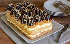 Profiteroles, Eclairs, No Bake Desserts, Delicious Desserts, Yummy Food, Cake Cookies, Cupcake Cakes, Gateau Cake, Cake Recipes