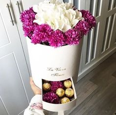 ღ sαℓσмé ∂єsєrτ ღ Luxury Flowers, Luxury Life, Roses, Gifts, Candy Bouquet, Presents, Pink, Rose, Gifs