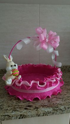 Diy Crafts Videos, Diy And Crafts, Arts And Crafts, Wedding Gift Baskets, Wedding Gifts, Christmas Crafts For Kids, Easter Crafts, Baby Girl Presents, May Baskets