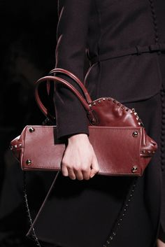 Valentino | Fall 2011 Ready-to-Wear Collection | Style.com