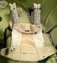 Babbling about my new baby and other stuff: Drool/suck pads for Lillebaby Baby Carrier