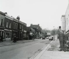 Wells Park Road late 50s early 60s ( Today there is a sweet shop and chicken shop and where the shops are on the left  is now Peters path).