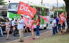 Militantes de Ribeirão em campanha para a presidente e candidata do PT, Dilma Rousseff