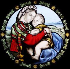 vetrata artistica raffigurante Madonna della Seggiola