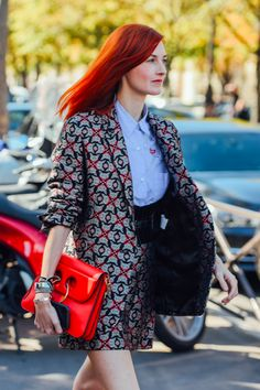 PARIS FASHION WEEK, LUXURY FASHION, TOMMY TON, STREET STYLE, SUITING, PATTERNED FASHION, JW ANDERSON BAG, PARIS