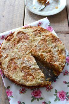 Appeltaart zonder kneden    oven    bloem, suiker, griesmeel, appels, kaneel, vanillesuiker, boter