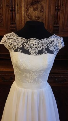 Hey, I found this really awesome Etsy listing at https://www.etsy.com/listing/257214140/boho-vintage-inspired-wedding-dress-with