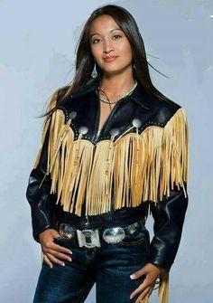 Beautiful Native American leather and denim fashion. American Indian Girl, Native American Girls, Native American Pictures, Native American Beauty, Native American Tribes, Native American History, American Indians, American Symbols, Navajo Women