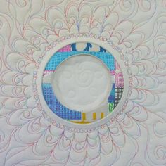 what is reverse applique - Bing images Longarm Quilting, Free Motion Quilting, Crazy Quilting, Circle Quilts, Quilt Blocks, Quilting Tutorials, Quilting Projects, Quilting Ideas, Reverse Applique
