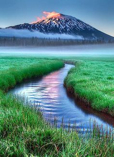 Spark's Lake - Bend, Oregon by Marcio Dufranc on ♥ Enchanted Nature All Nature, Amazing Nature, Places To Travel, Places To See, Travel Destinations, Travel Deals, Places Around The World, Around The Worlds, Beautiful World