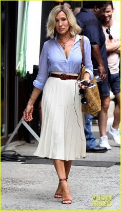 sarah jessica parker films new project with short blonde hair 02