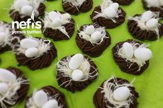 Kuş Yuvası Kurabiye (Çocuklar Bayılıyor) Tarifi nasıl yapılır? 2.656 kişinin defterindeki bu tarifin detaylı anlatımı ve deneyenlerin fotoğrafları burada. Cheesecake Brownies, Muffin, Eggs, Breakfast, Desserts, Food, Morning Coffee, Tailgate Desserts, Deserts