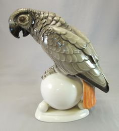 Art Deco Hutschenreuther Germany African Grey Figurine www.rubylane.com #birdwatching #vintage