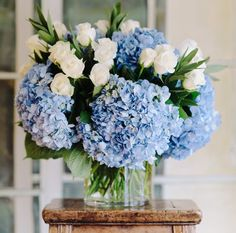 Love these blue #hydrangeas. Don't get to see much of this colored used.