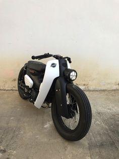 Scooter Motorcycle, Moto Bike, Motorcycle Garage, Motorcycle Design, Motorcycle Style, C90 Honda, Honda Ruckus, Honda Cub, Suzuki Cafe Racer