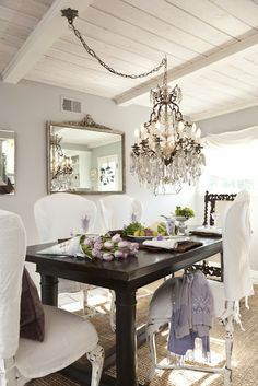 Pretty dining room.