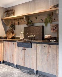 40 Inspiring Rustic Farmhouse Kitchen Cabinets Remodel Ideas - Page 11 of 39 - nancey news Outdoor Kitchen Cabinets, Kitchen Cabinet Remodel, Kitchen Cabinet Styles, Kitchen Storage, Rustic Cabinets, Home Decor Kitchen, Interior Design Kitchen, Kitchen Ideas, Cabin Kitchens