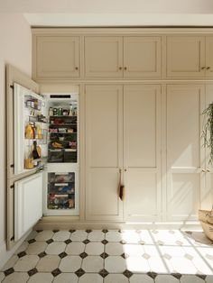 Kitchen of the Week: 'Wes Anderson Meets Provencal' in West London - Remodelista Kitchen Colors, Kitchen Design, Wicker Pendant Light, 70s Kitchen, Cozy Kitchen, Shaker Kitchen, Kitchen Tile, Kitchen Gadgets, Devol Kitchens