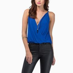 Deep V-neck Spaghetti Strap Solid Color Backless Top
