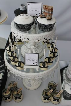 Fashion Runway Party: Fashionable cupcakes & cake pops on Bling Stand