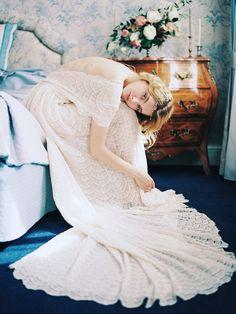 Scallop Lace Wedding Dress | Veresk Fine Art Photography Photography on @burnettsboards via @aislesociety